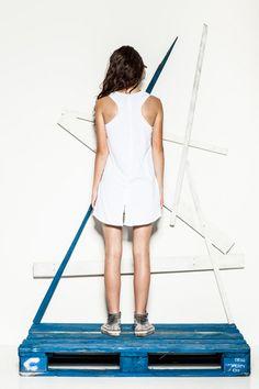CUB wolf logo tank top and grey shorts #polishfashion #fashion #cub #cub_wear #tanktop #wolf #cotton #natural #look #city #girl