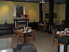 Dining room @ Gentelin's on Broadway, Alton, IL