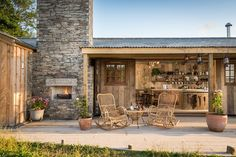 Luxury cottage hideaway near Mawgan Porth and Newquay. This intriguing self-catering woodcutter's cottage with hot tub is close to Newquay beaches, Cornwall Rustic Patio, Rustic Wood, Cabin Kits, Tiny Cabins, Cabins In The Woods, Rustic Design, Beautiful Homes, Beautiful Life, Villa