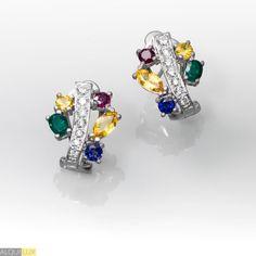 bc1a77ecb2ba Pendientes de oro blanco 18 kts. con diamantes talla brillante y piedras de  color (