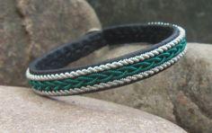 Bracelet en cuir de Sami, tresse métallique, étain, argent, fil de cuivre vert Sarcelle, Mens ou Womens Bracelet, bijoux en Laponie suédoise, Saami brassard