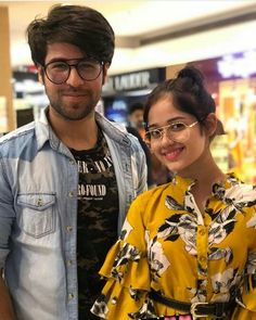 Ąhąąnktį.Ł.... Indian Teen, Couple Cartoon, Teen Actresses, Celebrity Couples, Stylish Girl, Couple Pictures, Easy Hairstyles, Besties, Bollywood
