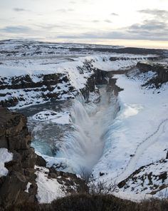 Exploring Iceland Gu
