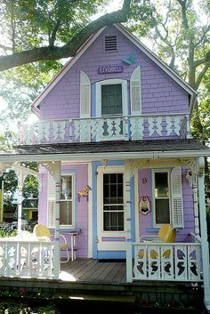 "Gingerbread cottage in Oak Bluffs, Martha's Vineyard. This one is called ""Rivendell."" Not purple, but cute house Style Cottage, Cute Cottage, Cottage Living, Cottage Homes, Lavender Cottage, Romantic Cottage, Fairytale Cottage, Romantic Homes, Little Cottages"