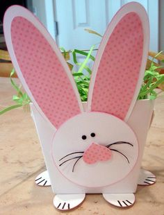 Fun Bunny basket for Easter. Easter Art, Hoppy Easter, Easter Crafts, Easter Bunny, Easter Eggs, Bunny Crafts, Easter Table, Easter Decor, Spring Crafts