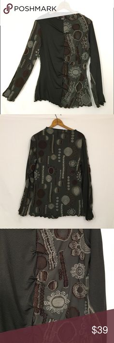 "ANAC by kimi ruched Art to wear mixed print top Excellent condition! Polyester, acrylic, rayon, polyurethane. Bust 40"" length 26"" Anac  Tops Blouses"