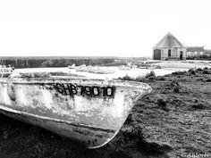 La station de sauvetage de Goury...   Cap de La Hague  URGENCE : La @fondationdupatrimoine lance un appel aux dons pour sauver cette station SNSM octogonale (bâtiment à l'arrière-plan sur la photo) > http://mynormandie.fr/goury-a-besoin-dun-nouveau-toit/  #normandie #goury #port #architecture #boat