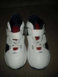 Nike sneaker for kids. V cute size 9 free ship for $14.99