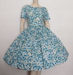 Lovely Vintage 50s 60s Blue Floral Garden by TheWordfromtheBird