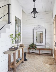 Magical Answers to Chip and Joanna Gaines Farmhouse Fixer Upper Exposed - ho. Magical Answers to Chip and Joanna Gaines Farmhouse Fixer Upper Exposed - homeknicknack. Entry Way Design, Country Farmhouse Decor, Home, Farmhouse Remodel, Joanna Gaines Living Room, Joanna Gaines Design, Farm House Living Room, Farmhouse Living, House Interior