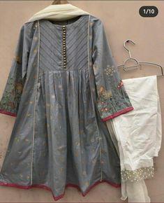 Beautiful Dress Designs, Stylish Dress Designs, Designs For Dresses, Beautiful Suit, Beautiful Outfits, Pakistani Dresses Party, Pakistani Dress Design, Pakistani Outfits, Indian Outfits