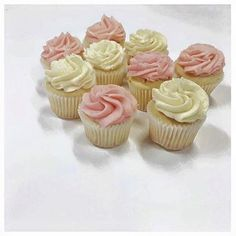 A little bit of pink & white prettiness for your Tuesday morning.  #thecupcakequeens #cupcakespoils