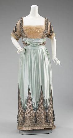 worth evening dress ca 1910