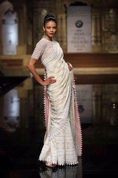 Abu Jani & Sandeep Khosla- chikankari saree Elegant Designer Saree Click Visit link above for more info India Fashion, Asian Fashion, Saree Fashion, Indian Attire, Indian Ethnic Wear, Indian Style, Indian Bridal Fashion, Bridal Fashion Week, Saris