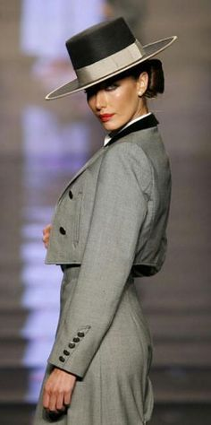 Cordobesa Riding Habit International Flamenco Fashion Show CCTV-International