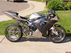Una motocicleta deportiva Yamaha.
