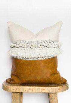 Pillow Covers Tutorial - Pink Pillow Fight - - - Crochet Pillow Disney - Knot Pillow Home Decor Leather Throw Pillows, Leather Pillow, Velvet Pillows, Diy Pillows, Decorative Pillows, Pillow Ideas, Handmade Pillows, Cushions, Pillow Inserts
