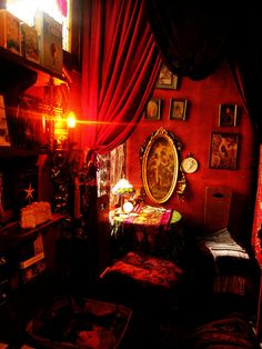 Red room with tarot table and gothic decor Cabaret, Witch Room, Opium Den, Red Rooms, Gothic House, Bohemian Decor, Bohemian Style, Goth Style, Victorian Homes