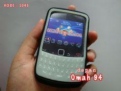 Silicone Glow In The Dark Blackberry Gemini 8520 Aries 8530 Kepler 9300 Jupiter 9330 HITAM (BLACK) | Toko Online Rame - @rameweb - Prioritas, SMS, Whatsapp, Telepon :  +62-271-312-0700  Alternatif 2 :  +62-896-8716-1311 (SMS)