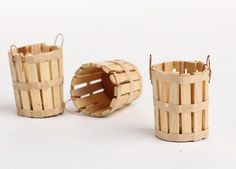 Dollhouse Miniature Baskets - Fairy Garden Supplies - Dollhouse Miniatures - Doll Supplies - Craft Supplies Mini Popsicle sticks and wire and I should be able to make something similar. Need a base. Popsicle Stick Houses, Popsicle Crafts, Craft Stick Crafts, Wood Crafts, Diy And Crafts, Crafts For Kids, Craft Stick Projects, Recycling Projects, Craft Ideas