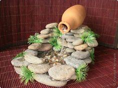 Zimmerbrunnen: Invite the Zen spirit into your home - Miniature Garden Ideas Mini Waterfall, Waterfall House, Garden Waterfall, Garden Crafts, Garden Art, Garden Design, Garden Pond, Mini Fairy Garden, Fairy Garden Houses