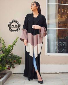 Arab Fashion, Muslim Fashion, Modest Fashion, Fashion Dresses, Fashion Shoot, Modern Abaya, Abaya Designs, Fashion Design Sketches, Mode Hijab