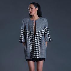 Pied de poule. Black & White.  Shop online: www.gabrielefioruccishop.com  #pieddepoule #coat #blackandwhite