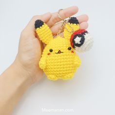 Kijk wat ik gevonden heb op Freubelweb.nl: een gratis haakpatroon van Meenamam om Pikachu te haken. Plus een pokeball. Leuk als sleutelhanger! https://www.freubelweb.nl/freubel-zelf/gratis-haakpatroon-pikachu/