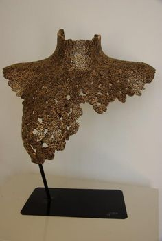 Cardboard sculptures made with recycling carboard Cardboard Sculpture, Cardboard Art, Lovers Art, Recycling, Beauty, Woman, Collection, Sculptures, Contemporary Art