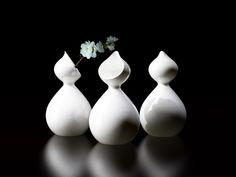 Caro pouring jug. Design by Belli studio for Design.  Riccardo Belli