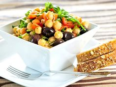 You Can Get Protein Without Eating Meat! Plant based foods give you protein without fats. Plant protein have many other health benefits. Chickpea Salad Recipes, Vegetarian Recipes, Cooking Recipes, Healthy Recipes, Going Vegetarian, Veg Recipes, Easy Recipes, Heart Healthy Diet, Healthy Snacks