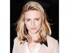 15 Fresh Ways to Shake Up Your Hair Game via @byrdiebeauty