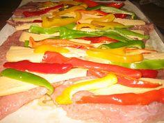 ΜΑΓΕΙΡΙΚΗ ΚΑΙ ΣΥΝΤΑΓΕΣ: Χοιρινά σνίτσελ ρολό με πιπεριές και τυρί souper!! Burritos, Sandwiches, Stuffed Peppers, Vegetables, Food, Breakfast Burritos, Stuffed Pepper, Essen, Vegetable Recipes