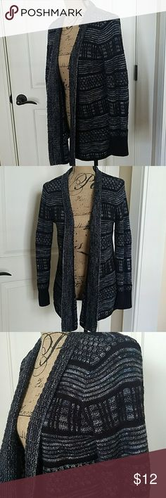 Liz Claiborne Cardigan Open cardigan with a cool knit pattern. Cozy and warm, great for lounging around the house. EUC, I just have too many cardigans Liz Claiborne Sweaters Cardigans