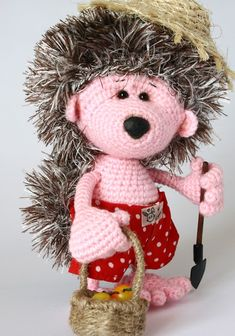 Викторина-онлайн. Угадай руку мастера. 9. Ёж-дачник Amigurumi Toys, Softies, Plushies, Crochet Patterns, Crochet Ideas, Crochet Animals, Hedgehog, Teddy Bear, Kawaii