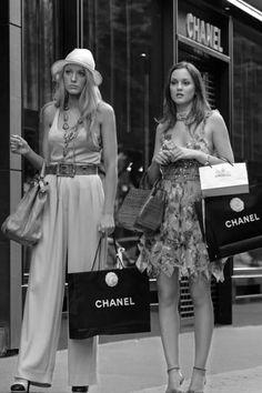 Mode Gossip Girl, Estilo Gossip Girl, Gossip Girl Outfits, Gossip Girl Fashion, Blair And Serena, Look Star, Classy Aesthetic, White Aesthetic, Old Money