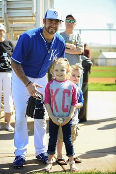 Pitcher Brandon Finnegan meets a young fan.❤️❤️