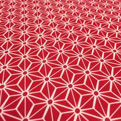 Tissu de coton japonais Nagano - Motif Asanoha rouge Nagano, Design Japonais, Japanese Patterns, Quilts, Japanese Cotton, Red, Pattern, Plastic, Quilt Sets