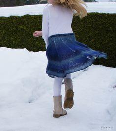 Strikk et morsomt skjørt som barnet ditt vil elske Diy Crafts Knitting, Free Knitting, Barnet, Lace Skirt, Knit Crochet, Crochet Patterns, Skirts, Sony, Model