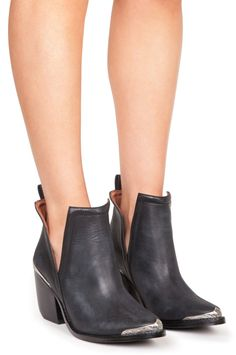 Jeffrey Campbell | CROMWELL in Black Distressed