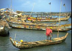 You will find various forms of navigation in Africa from fishing boats (like here in Ghana) to make-shift barges #sschat