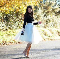 Todas temos alguma blogger que seguimos e gostamos, eu não sou diferente, tenho algumas preferidas, muito mais pelo estilo e pelas fotos do que pelo glamour que representam, Alba é uma delas, adoro as combinações e repetições de peças na composição dos looks. Saia de tule