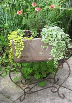 Jardinière suspension avec de la récup