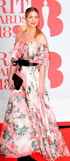 Brits Is this the worst dressed red carpet ever? Gemma Atkinson, Ellie Goulding, Queen, Red Carpet, Awards, Gowns, Couture, Celebrities, Pretty