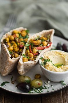 11 Vegetarian Pita Fillings That Are Perfect For Packed Lunches. For more pins like this, follow us @juicemetoo!