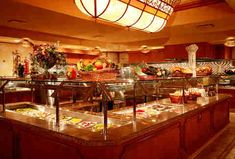 Fill Up on King Crab Legs at Las Vegas' Absolute Best Seafood Buffets Casino Night Party, Casino Theme Parties, 80s Party, Las Vegas Buffet, Best Buffet, Seafood Buffet, King Crab Legs, Roulette, Golden Nugget