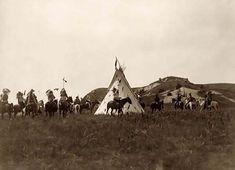 Guerreros Sioux preparandose para la guerra en su poblado.