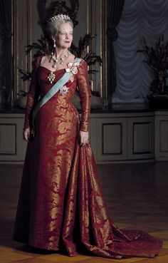 Danish Royals, Royal Style, Royal Fashion, Bling Bling, Queens, Evening Dresses, Royalty, Mary, Portraits