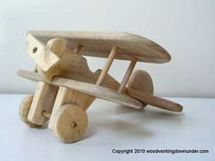 wooden toy airplane plans and tutorial. #DIY wooden toy http://www.woodworkingdownunder.com/: