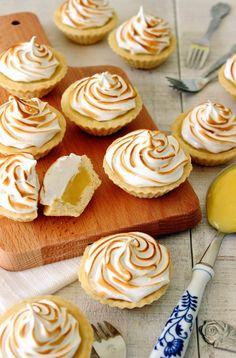 Zoet & Verleidelijk: Mini citroen meringue taartjes